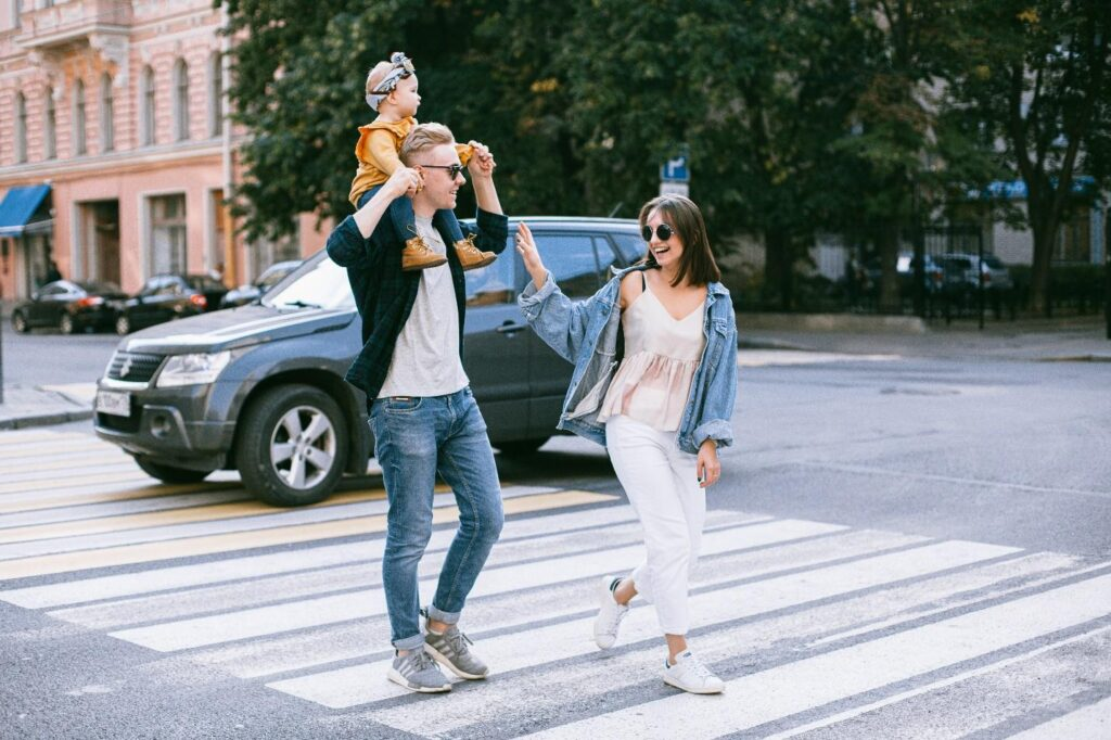 C:\Users\ME\Downloads\a-photo-of-a-family-walking-in-pedestrian-lane-3662910.jpg